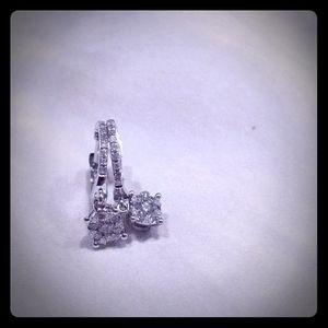 EFFY 14 k white gold and diamond earrings
